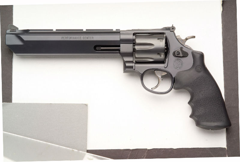 smith and wesson hunting handgun